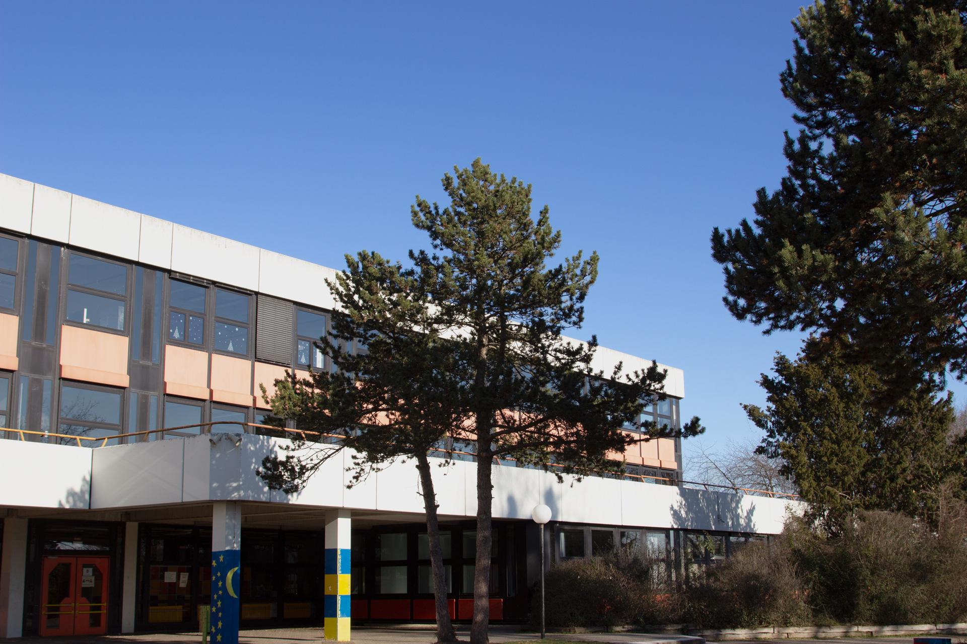 Schule Außenbereich 6